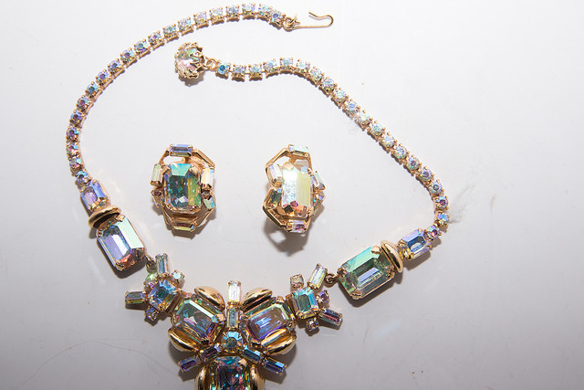 Collecting Vintage Jewelry | Jewelry Carats