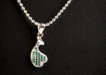 Tips For Wearing Gazing Beautiful Girlfriend Jewelry